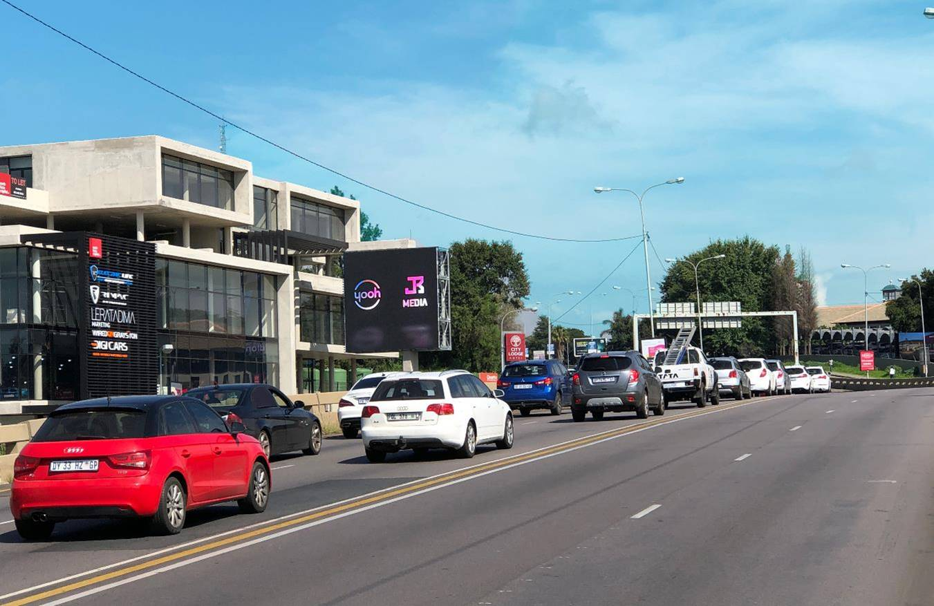 Grayston – Sandton Inbound – 50sqm Digital Billboard